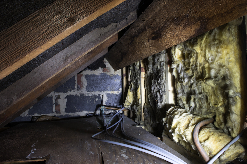 dirty attic, kneewall insulation